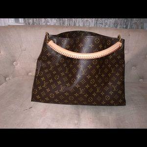 ❤️🎊SALE🎊♥️Louis Vuitton artsy mm .. I think